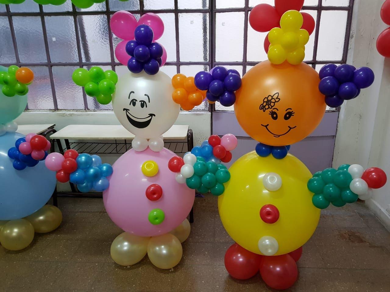 Imagen de Payasines Descripcion: Payasos gigante con piñata de globos para cumpleaños,eventos infantiles.